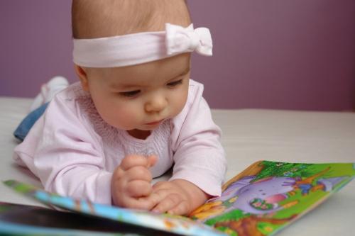 baby-girl-1306022-1279x852